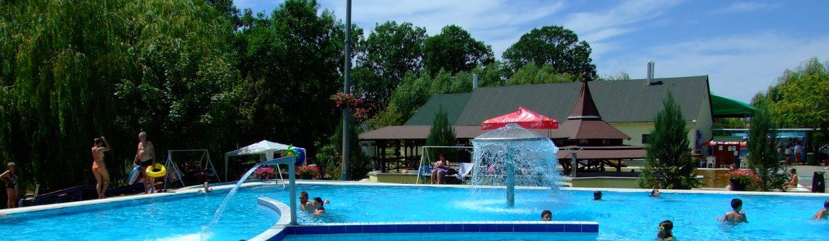 Vasbeton medencék